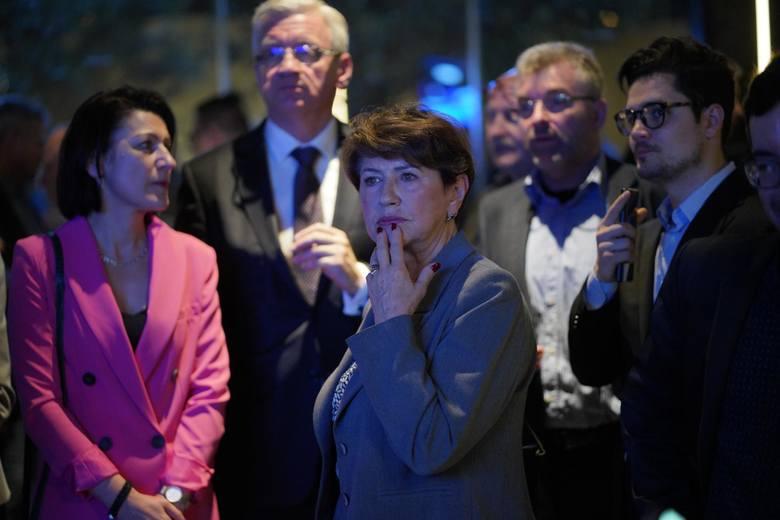 W sztabie PiS w niedzielę zapanowała euforia. W Koalicji Europejskiej panował urzędowy optymizm.