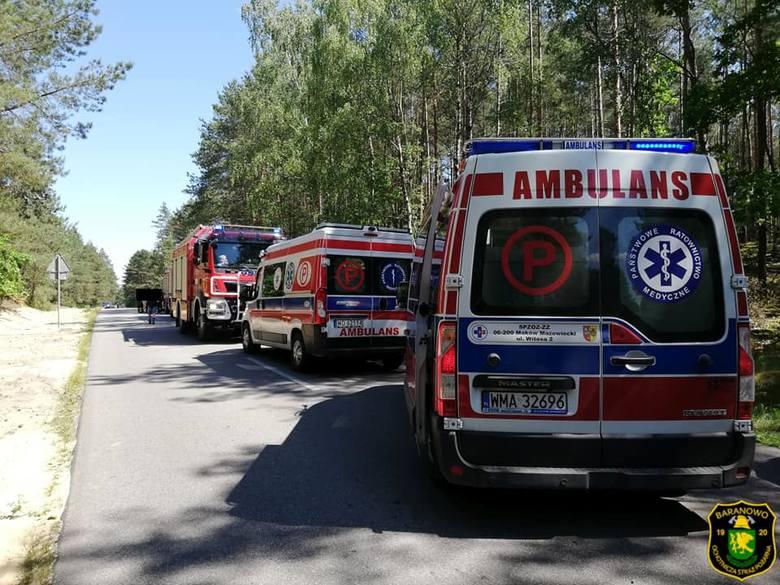 Wypadek w Cierpiętach. Trzy osoby przewieziono do szpitala. Wśród rannych jest kilkumiesięczne niemowlę