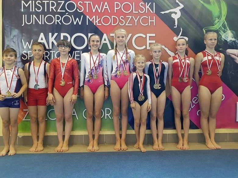 Wiele medali ozdobiło szyje młodych sportowców z Dobrzenia Wielkiego.