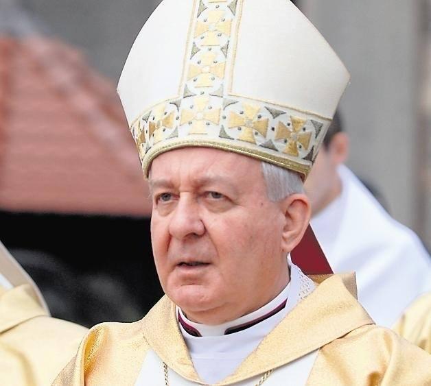 """Ks. Tadeusz Isakowicz-Zaleski mówi, że różne skandale w Kościele nadal nie są wyjaśnione, m.in. molestowanie kleryków przez abpa Juliusza Paetza. - """"Mafia"""
