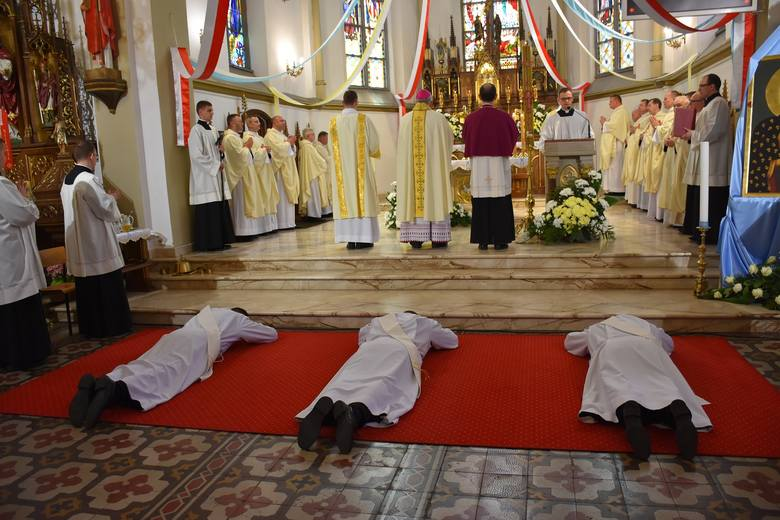 Po zakończeniu studiów i formacji 3 diakonów z ełckiego Wyższego Seminarium Duchownego, 25 maja 2019 r. przyjęło święcenia kapłańskie.