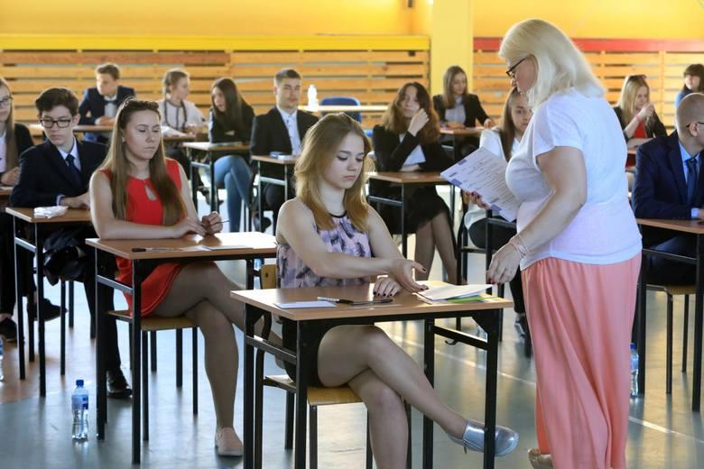Egzamin gimnazjalny w całej Polsce rozpoczął się 18 kwietnia 2018 r.