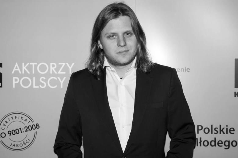 Najbliższa rodzina Piotra Woźniaka-Staraka poinformowała, że w czwartek odbędzie się msza żałobna w intencji tragicznie zmarłego producenta filmowego,