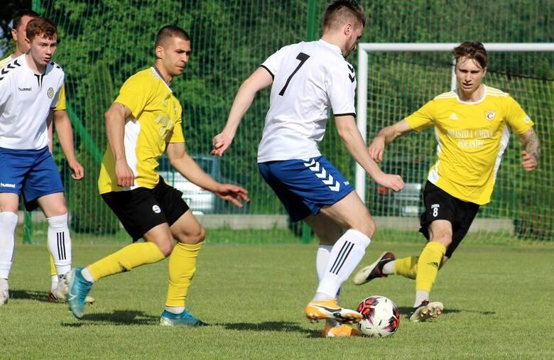 Po zwycięstwie z Nidą Pińczów 1:0 w czwartkowym meczu czwartej ligi piłkarze Czarnych Połaniec zapewnili sobie pierwsze miejsce i awans do trzeciej ligi.