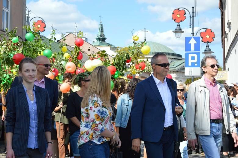 Święto Kwiatów 2019: świąteczna parada [ZDJĘCIA]
