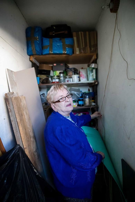 Krystyna Wołyniec, która od lat walczy o wykup mieszkania komunalnego komentuje, że koronawirus to tylko wymówka. - Skoro w budżecie nie ma pieniędzy,