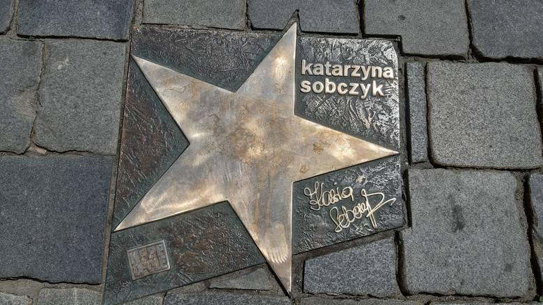 Aleja Gwiazd Polskiej Piosenki Opole.