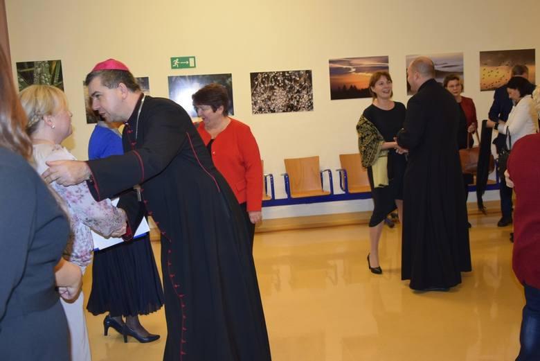 W poniedziałek, 25 listopada, w auli Państwowej Uczelni im. Stefana Batorego w Skierniewicach obchodzono jubileusz 30-lecia działalności Wojewódzkiego Ośrodka Doskonalenia Nauczycieli w Skierniewicach.