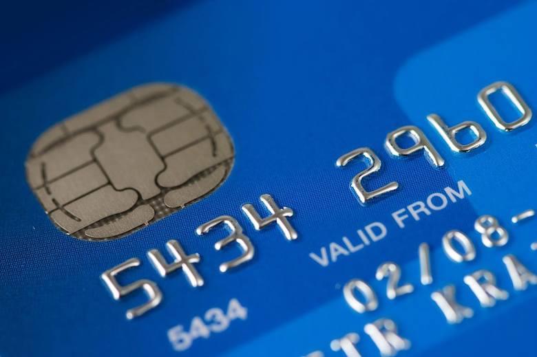 Pracownik banku w Lesku wykrył oszustwo. Fałszywy policjant próbował wyłudzić pieniądze