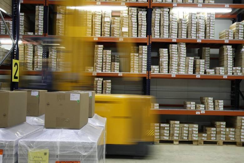 Logistyk to zawód, który potrzebny jest praktycznie w każdym przedsiębiorstwie i w każdej instytucji, nawet w operze. Na rynku brakuje jednak rąk do