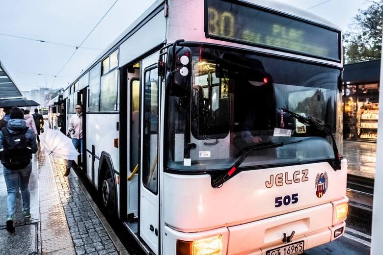 Miejski Zakłada Komunikacji od 1 lutego wprowadza zmiany w kursowaniu pojazdów. Co się zmieni? Przeczytajcie!WSZYSTKIE SZCZEGÓŁY ORAZ MAPA NA KOLEJNYCH