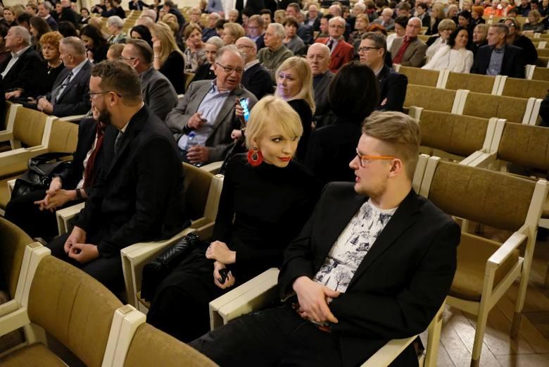 """W piątek wieczorem po raz 44. wręczono Medale Młodej Sztuki """"Głosu Wielkopolskiego"""""""