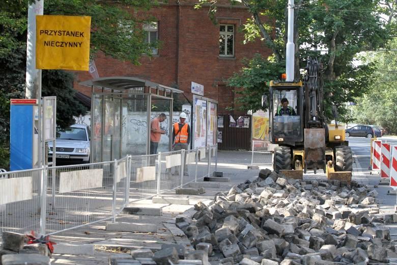 """Wrocław: """"Szybkie"""" remonty wcale nie takie szybkie"""