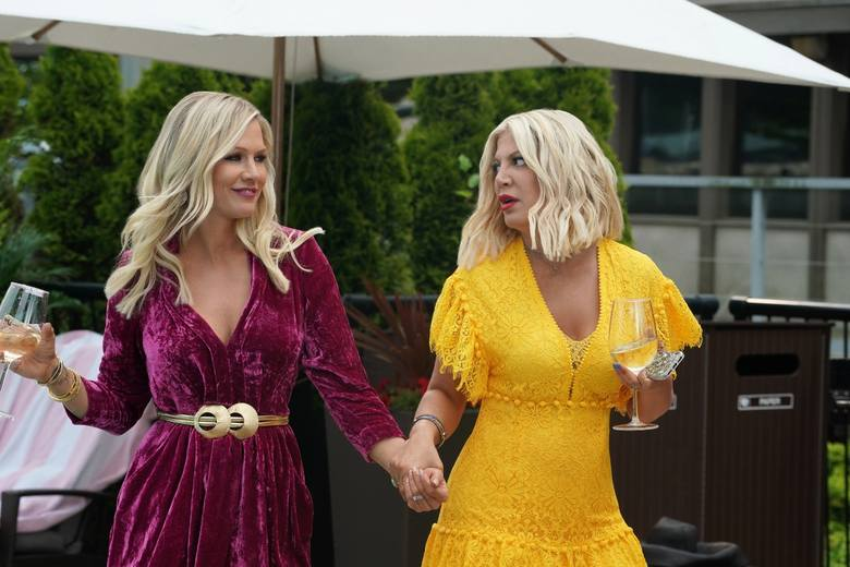 Tori Spelling (Donna) i Jennie Garth (Kelly)
