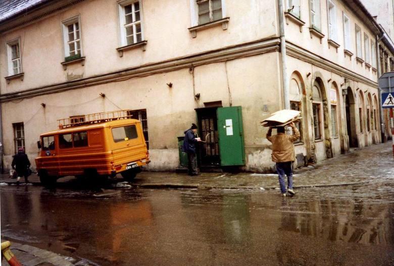 Kraków w latach 90. Niby niedawno, a inny świat [ZDJĘCIA]