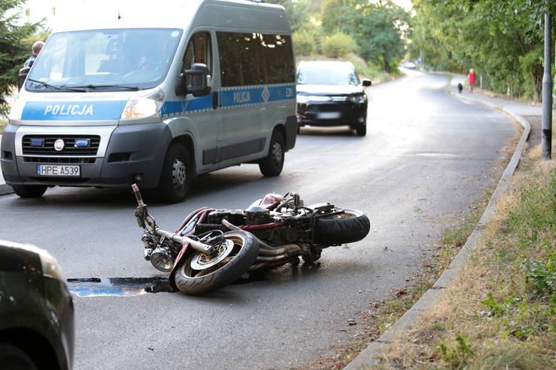 Motocyklista wjechał w audi na ul. Wazów.