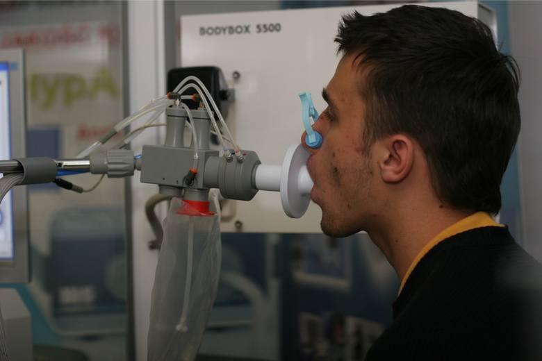 W ramach projektu, zostanie wykonane m.in. badanie spirometryczne płuc, oceniające funkcjonowanie układu oddechowego.