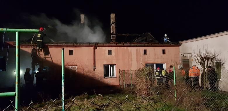 Pożar budynku wielorodzinnego w Polaszkach - apel o pomoc oraz inicjatywa zbiórki dla poszkodowanych [ZDJĘCIA]