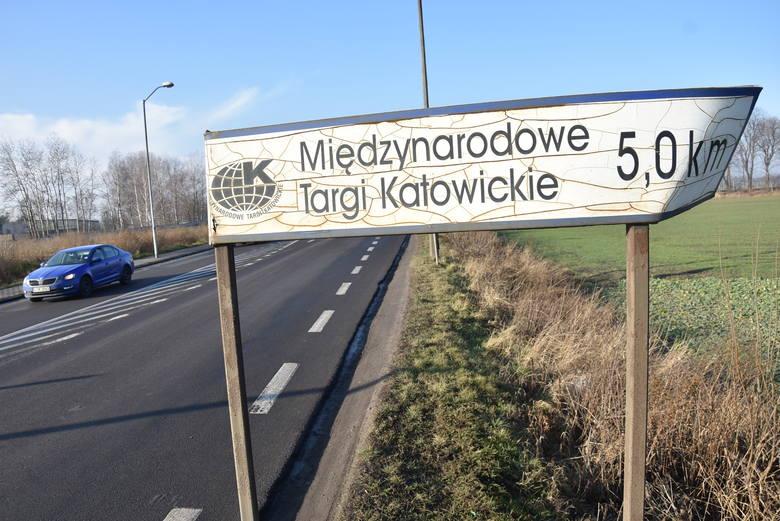 Znak postawiony przy DK 94 w Siemianowicach Śląskich, który doprowadził mnie na teren MTK