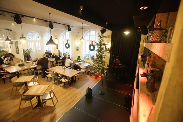 Śląska Prohibicja, to nowy lokal na kulinarnej mapie Katowic. Znajduje się w Nikiszowcu, więc wizytę - randkę czy spotkanie - w restauracji można połączyć