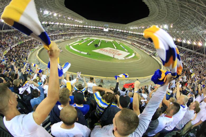 Żużel od wielu lat pozostaje najbardziej popularną dyscypliną sportu w Toruniu - na mecze Apatora chodzą tysiące kibiców. Dla fanów czarnego sportu i