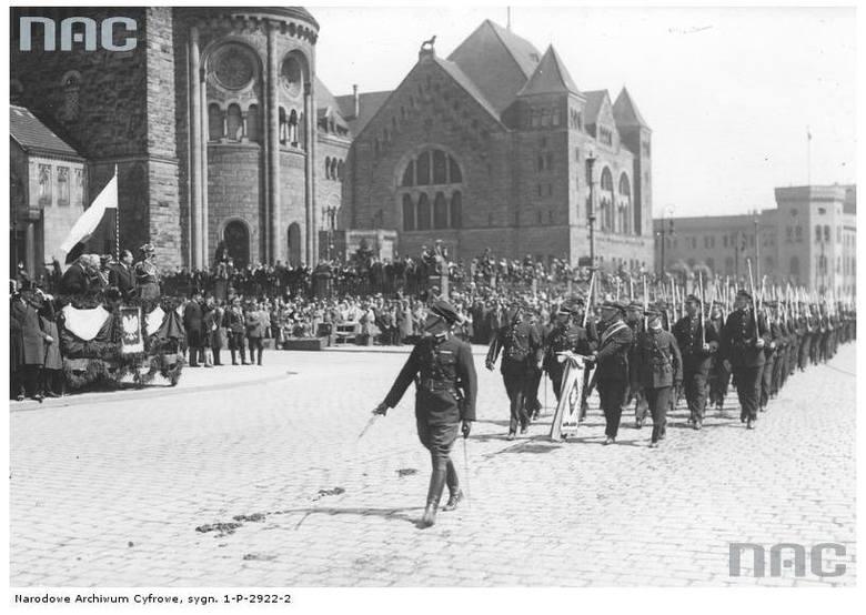 Święto Narodowe Trzeciego Maja Defilada przed Zamkiem Cesarskim - 1933 rok