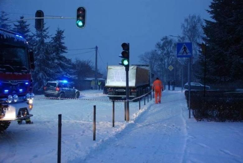 Śmiertelny wypadek na przejściu dla pieszych  w Trąbkach Wielkich - styczeń 2018Samochód ciężarowy wjechał na przejście dla pieszych na drodze krajowej