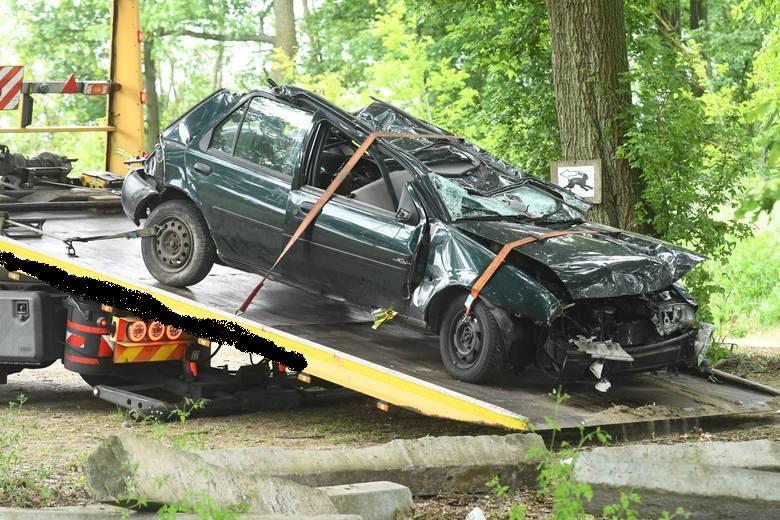 Tragiczny wypadek wydarzył się na drodze między Żabicami, a Górzycą. Zginęły trzy młode osoby.