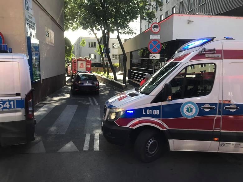 Autokar uderzył w budynek Urzędu Skarbowego przy ul. Narutowicza w Lublinie
