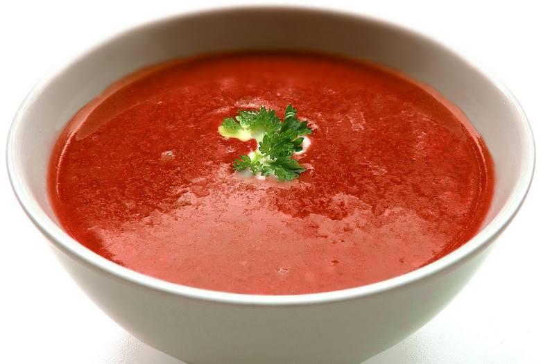 Ulubioną zupę większości dzieci, możemy podawać nie tylko z makaronem, ryżem czy kluskami, ale również z pulpecikami z mięsa z indyka. Ta ostatnia propozycja