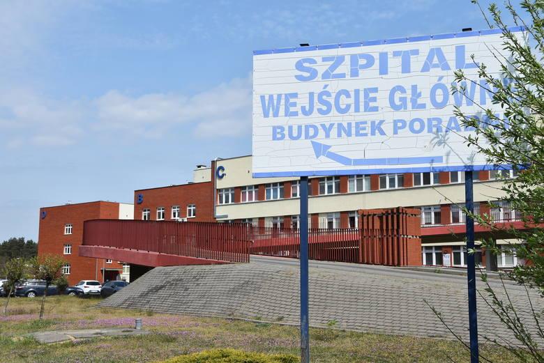 W mijającym tygodniu w szpitalu jednoimiennym zmarło 6 osób: 5 kobiet i 1 mężczyzna, u których badania potwierdzono zakażenie koronawirusem. Z naszego