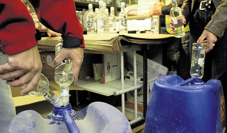 Pomorze zalewa morze bimbru! Co trzeci litr alkoholu pochodzi z nielegalnego źródła