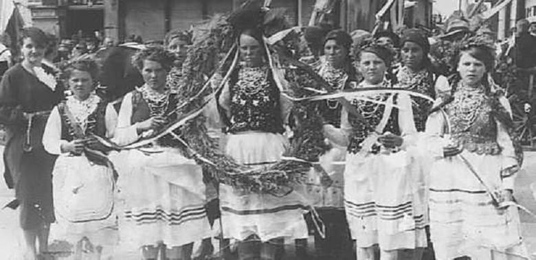 Półkolonia w Słońsku 1937 r. dla dzieci polskich, których rodzice pracowali przy żniwach