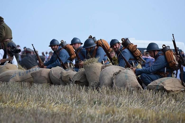 99. rocznica bitwy pod Komarowem. Wielka rekonstrukcja w Wolicy Śniatyckiej. Zobacz zdjęcia