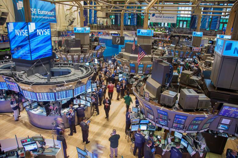 """Nie ma recepty na inwestowanie w """"normalnych"""" czasach i tych, kiedy spadki, pesymizm i recesja zagląda inwestorom w oczy."""