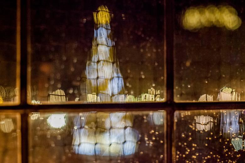 """Jak fotografować święta? Poradnik Lidii Popiel. """"Miasto pełne blasku – kadrujemy świąteczne klimaty"""" [wideo]"""
