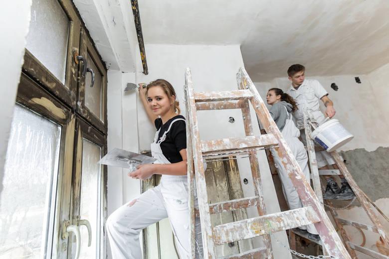 Pomieszczeniem najczęściej poddawanym remontowi w 2018 roku była kuchnia. W dalszej kolejności Polacy chętnie odnawiali salony, sypialnie i łazienki