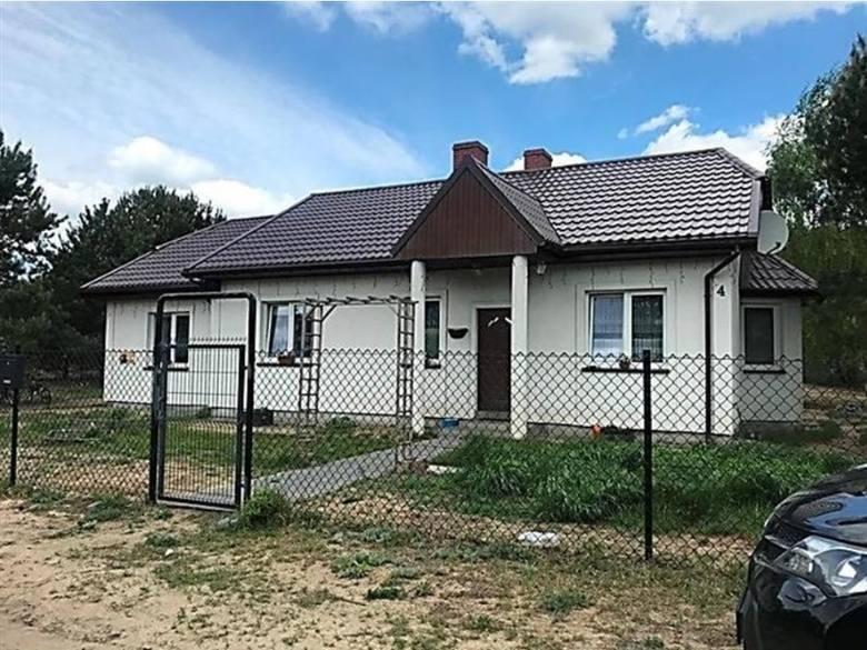 Komornicy licytować będą w październiku w Toruniu i okolicy kilkanaście mieszkań, domów i lokali użytkowych. Najtańsze nieruchomości wystawiono na sprzedaż