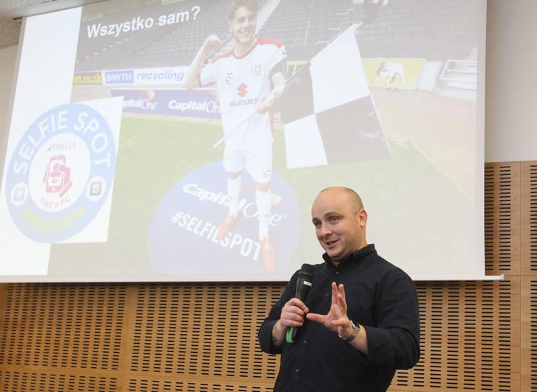 - Smartfon jest towarzyszem życia - mówili prelegenci Flexi Form Day portalu nowiny24.pl.Żyjemy w czasach, w których naszego smartfona używamy nie tylko