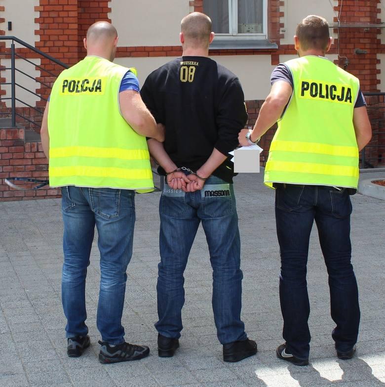 Ponad 4 kg narkotyków zabezpieczyli policjanci z Chełmna u 24-letniego mieszkańca powiatu. To efekt  działań prowadzonych przeciwko handlującym dopalaczami