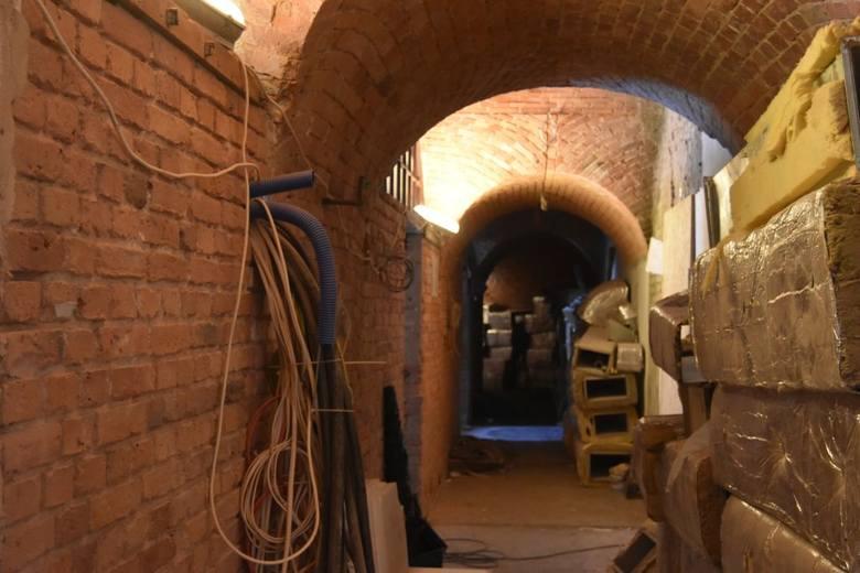 Trwają prace budowlano-adaptacyjne w Koszarach Bramy Chełmińskiej. Za niecały rok zostanie otwarty nowy oddział Muzeum Okręgowego - Muzeum Twierdzy Toruń.