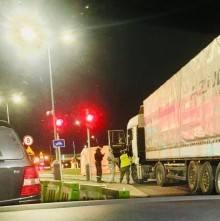 Obwód kaliningradzki. Ogromne kolejki na przejściach granicznych. Prowadzone są kontrole sanitarne