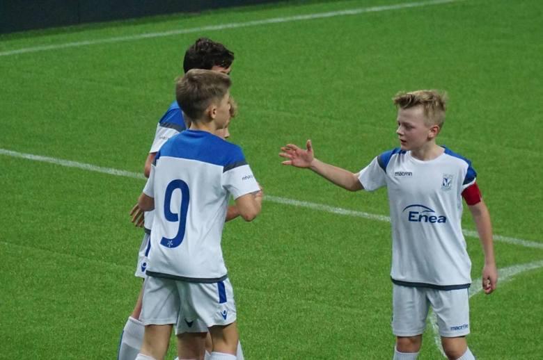 Drużyna Lecha Poznań powalczy o zwycięstwo w Enea Lech Cup 2019. Podopieczni Łukasza Chęcińskiego pierwszego dnia turnieju wygrali pięć meczów i dwa