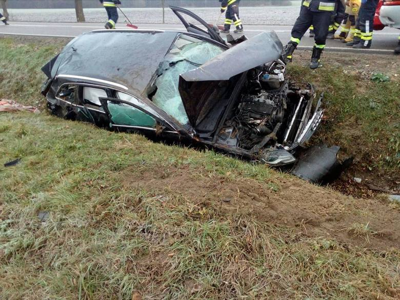 - Naszym zadaniem było zabezpieczenia miejsca wypadku, udzielanie kpp oraz zabezpieczenie pojazdu. - informują strażacy z OSP KSRG Czyżew.