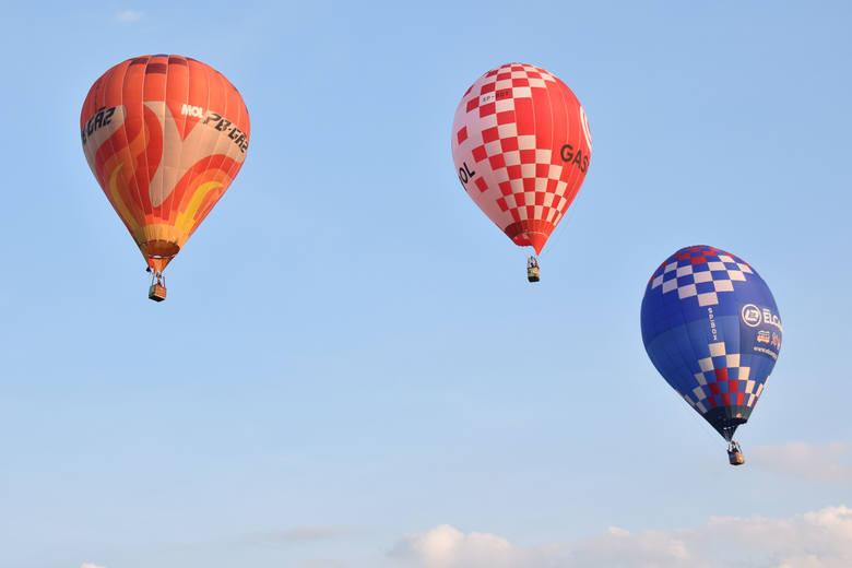 Dziś rozpoczęły się w Krośnie XX Międzynarodowe Górskie Zawody Balonowe. W imprezie bierze udział 31 załóg. W pierwszym dniu była dość łaskawa. Udało