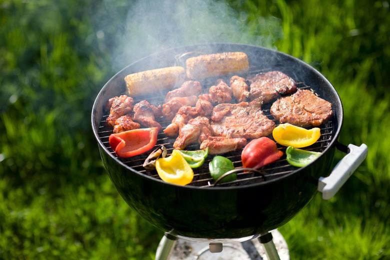 Jeśli chcesz, by twoje dania z grilla miały oryginalne smaki, zamiast wyłącznie soli i pieprzu używaj dobrych marynat. Wszystkie składniki stosowane