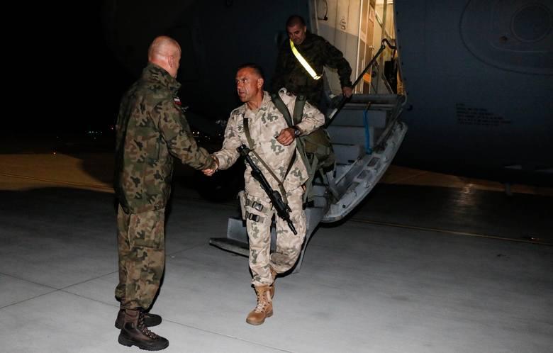 Nasi wracają z irackiej misji. Witamy w Polsce! [GALERIA]