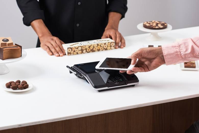 Apple Pay już w Polsce! Smartfonem płacisz jak kartą zbliżeniową, ale dużo bardziej bezpiecznie