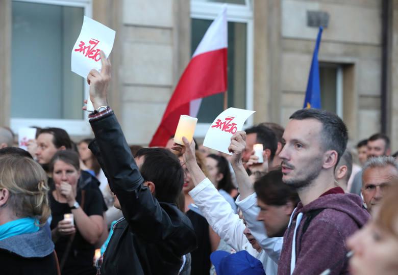 """Czemu młodzi zaczęli protestować? """"Mamy dość słuchania bzdur"""""""