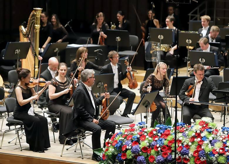 Londyńska Królewska Orkiestra i minister w Filharmonii Łódzkiej